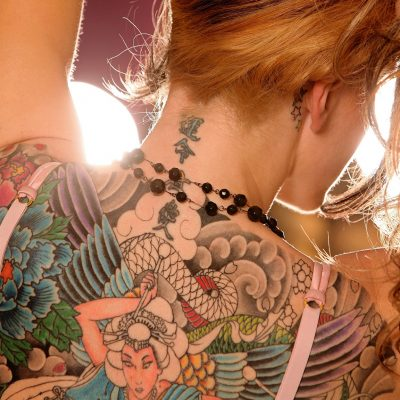 Tattoos_Brown_haired_Human_back_Redhead_girl_Hair_512175_2048x1152